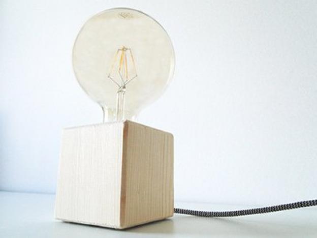 DIY Lampe: Wie mache ich eine Tischlampe aus Holz selber?