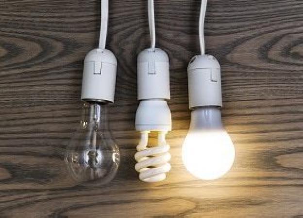 LED vs. Energiesparlampe