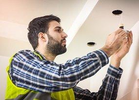 Installation von LED-Einbauleuchten