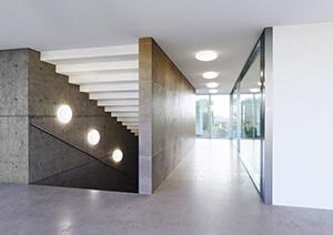 LED-Bulkheads an Wand und Decke