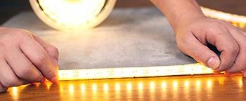 LED-Streifen befestigen